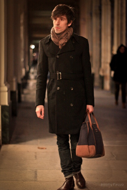trench-coat laine noir avec bottines